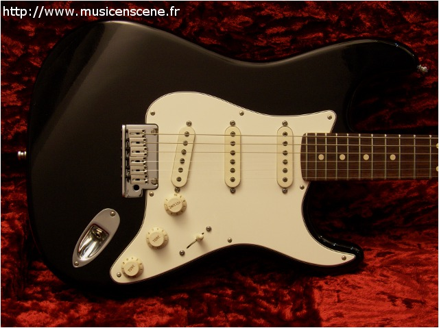 FENDER CS Strat ProCloset Classic Black (VENDUE)
