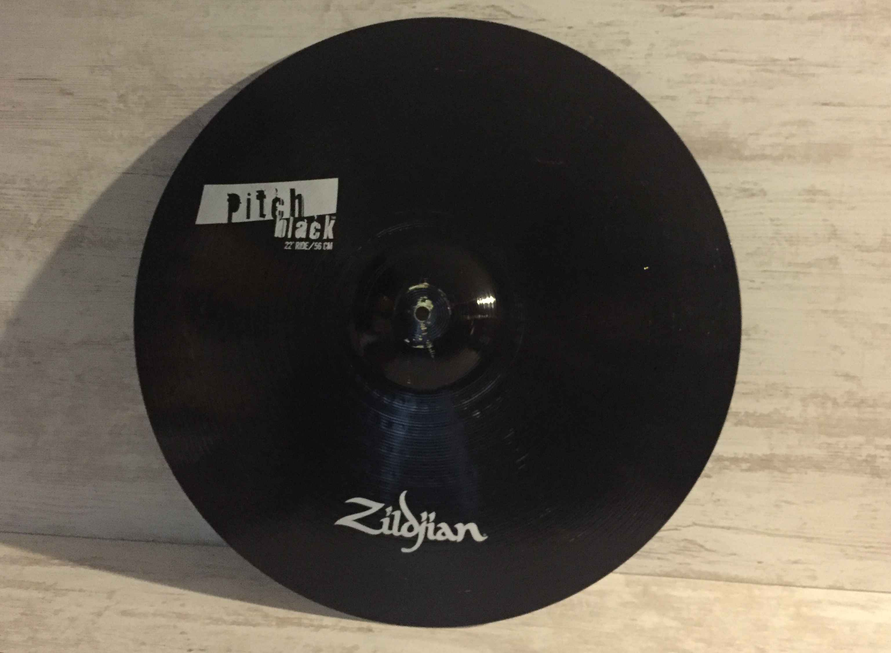 "ZILDJIAN Pitch Black 22"" Ride"